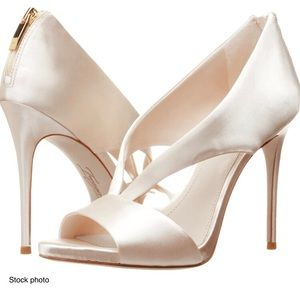 Imagine Vince Camuto Dailey Gold Heels, 7.5